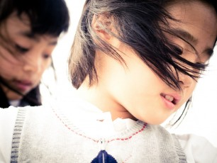 japanese-girls-in-the-wind
