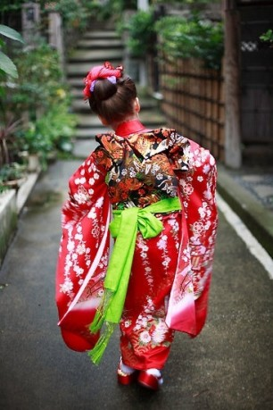 Little-Japanese-in-Kimono