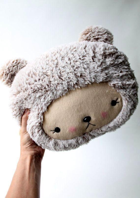 CutieCutie-Pillow