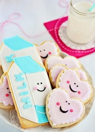 Aww-Cute-Milk-and-Cookies