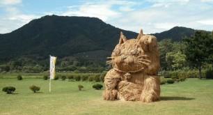 Japans-Straw-Beasts-Gotokuji