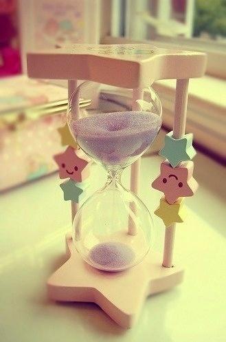 Kawaii-Hourglass