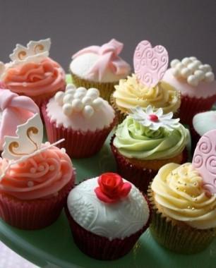 Lots-of-Cutie-Cupcakes