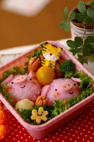 Tiger-Bento-with-Pigs