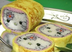 Yummy-Hello-Kitty-Sushi-Omelet