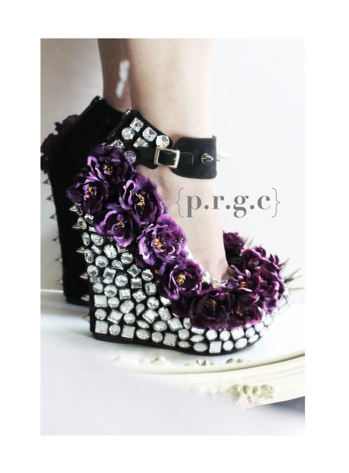 Floral_Rhinestone_Studded_Spike_Wedges
