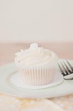 Lemon_Curd_Cupcake