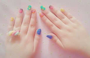 Beautiful Rainbow Nails