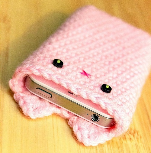 Crocheted-Iphone-Case