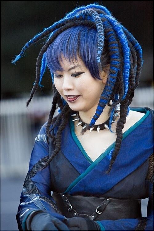 Bluish Japanese Girl